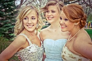 Girls ready to go to Prom